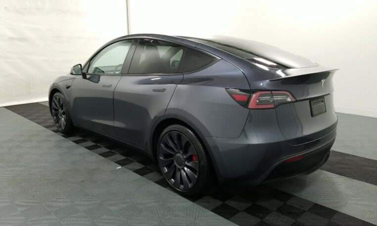 2020 Tesla Model Y Performance Electric Gray фото сзади слева
