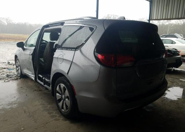 2018 Chrysler Pacifica Limited 3.6 Hybrid Gray фото сзади слева