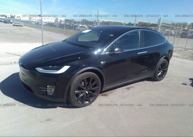 2020 Tesla Model X Long Range Electric Black фото спереди слева