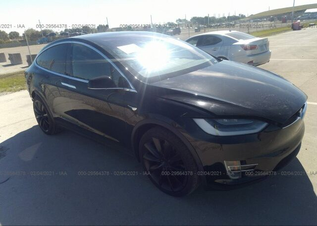 2020 Tesla Model X Long Range Electric Black фото спереди справа