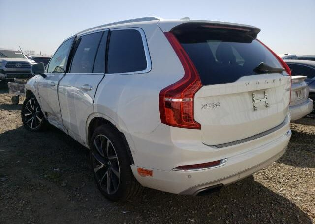 2018 Volvo XC90 T8 Inscription 2.0 Hybrid White фото сзади слева